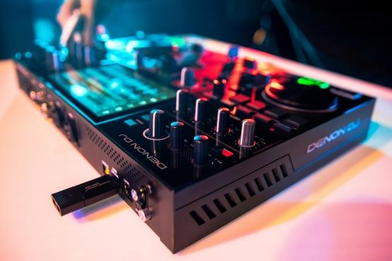 Denon DJ PRIME GO, Standalone Controller