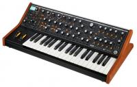 Moog SUBsequent 37 Paraphonic Sytnesizer